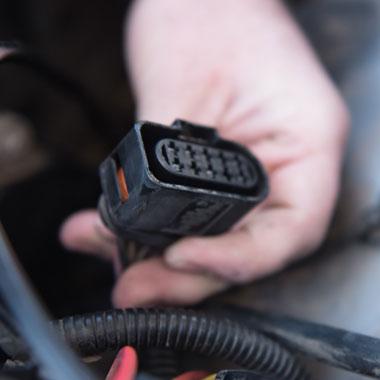 Volkswagen Amarok Piggy Back Adaptor Installation